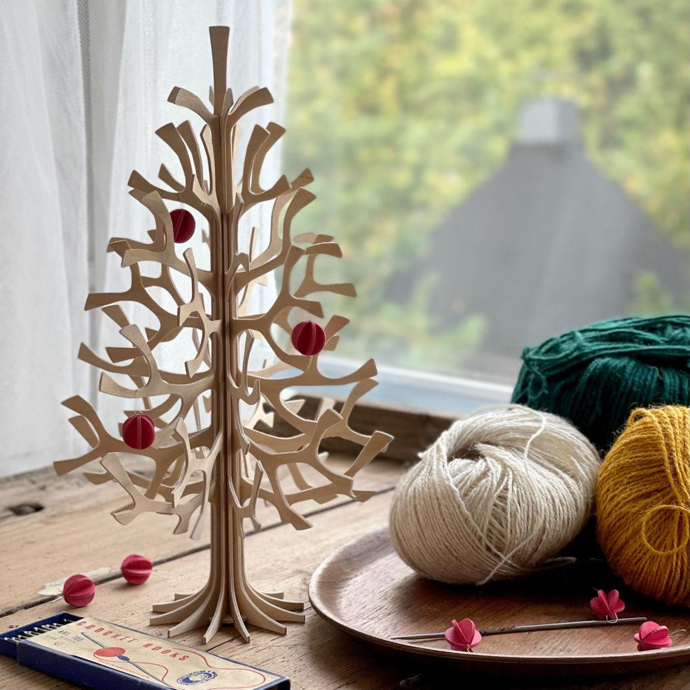 Lovi Spruce 30cm with Minibaubles on old table
