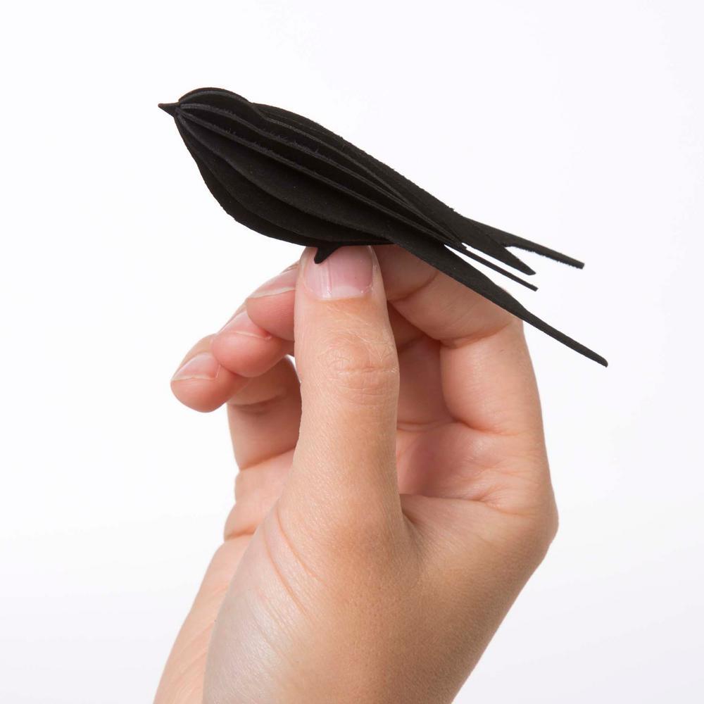 Lovi Swallow 10cm black in hand
