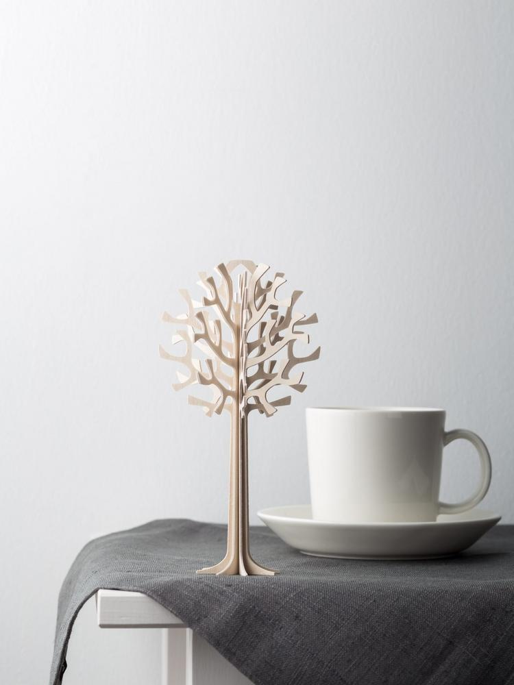 Lovi Tree 16,5cm natural wood with a white coffee cup.